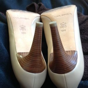 VIA SPIGA Shoes - VIA SPIGA Tan Stacked Heel Open Toed Pumps.
